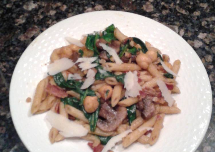 Penne with Spinach, Chickpeas and Paprika