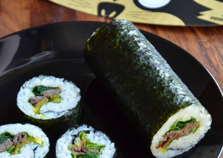 Old Fashioned Dinner Easy Refreshing Popular with Boys! Futomaki Sushi Rolls with Yakiniku Beef - Good for Picnics