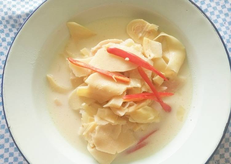 Simple Way to Make Speedy Rebung Kuah Curry Putih (Bamboo Shoot with White Curry)