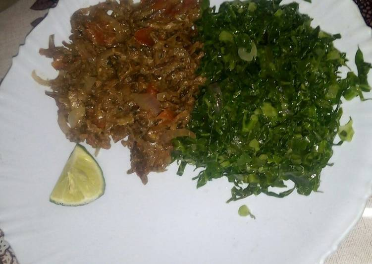 Fried omena with greens