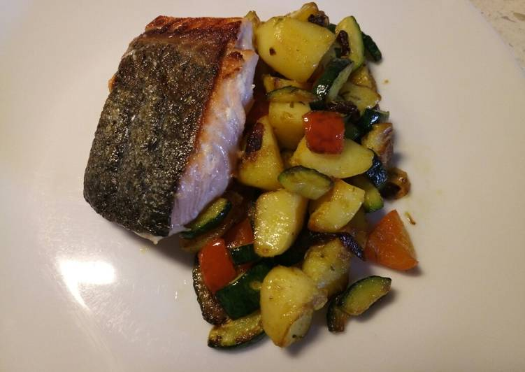 Pan fried salmon with sautéed veg