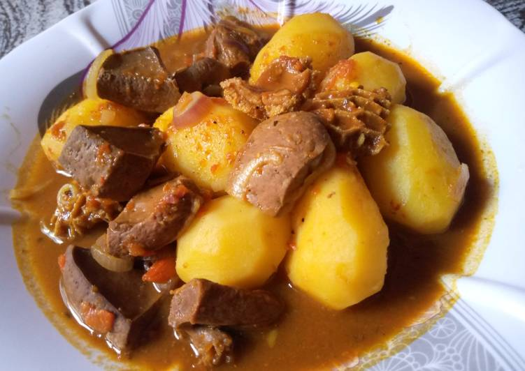 Offals peppered soup with potatoes