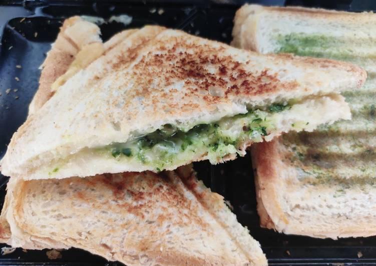 How to Make Ultimate Pesto chicken sandwich