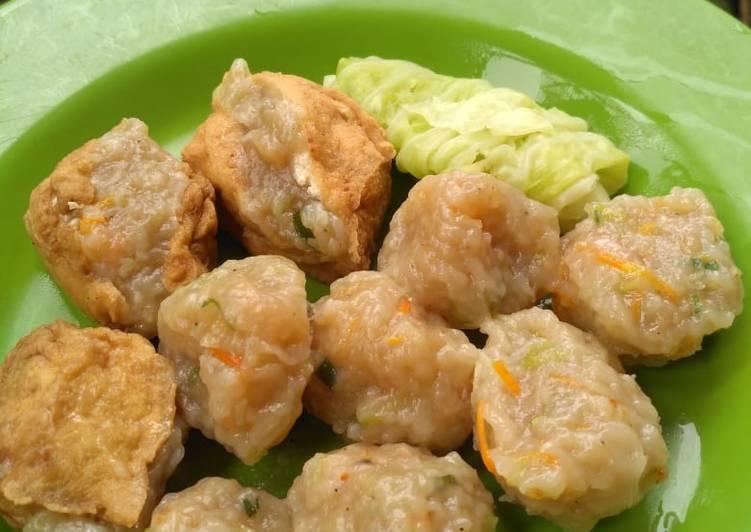 Siomay ebi dan sayur sehat (labu Siam dan wortel)