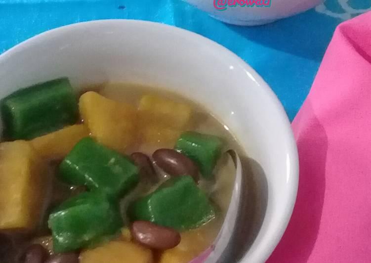 Kolak ubi kacang merah dengan kue keranjang