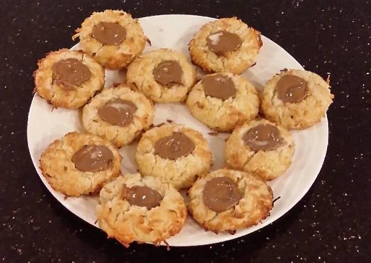 Coconut Cream Thumbprint Shortbread Cookies