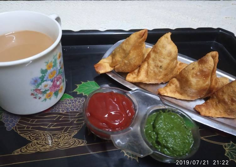 Hearty Comfort Dinner Easy Refreshing Samosa with tomato sauce/coriander chutney and tea