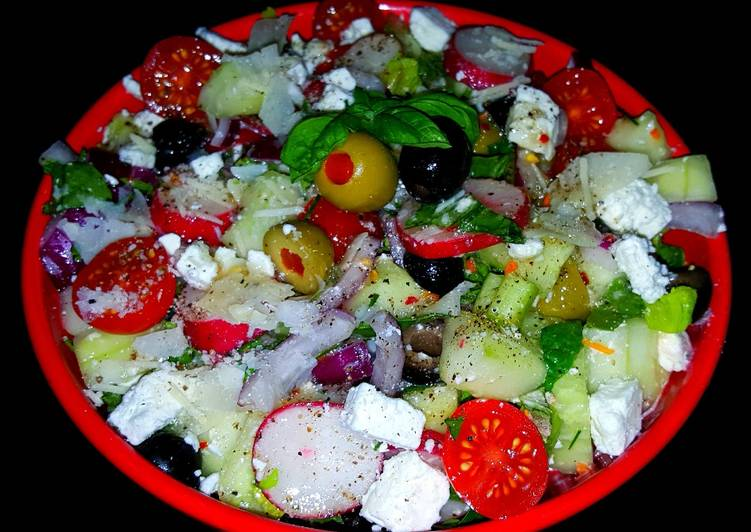 Mike's Healthy Zesty Greek Salad