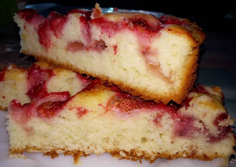 Клубничный пирог простой рецепт с фото пошагово