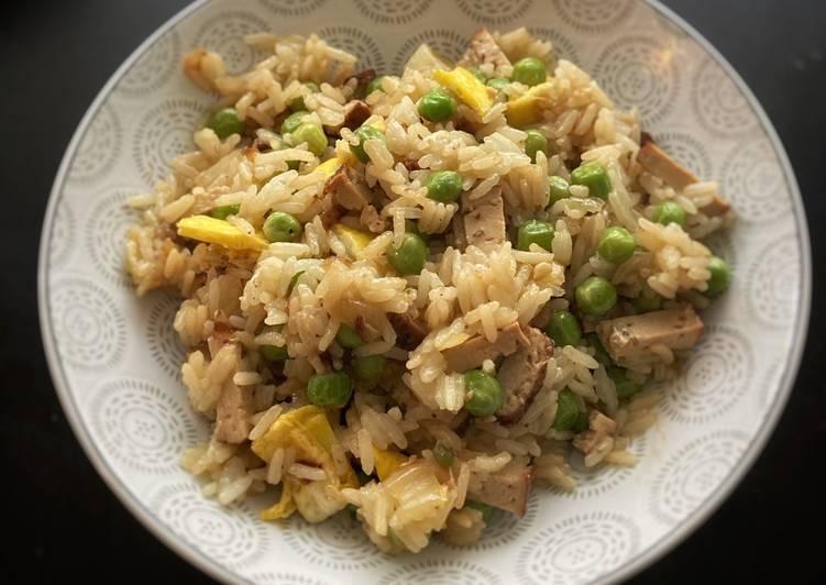 Riz cantonnais végétarien