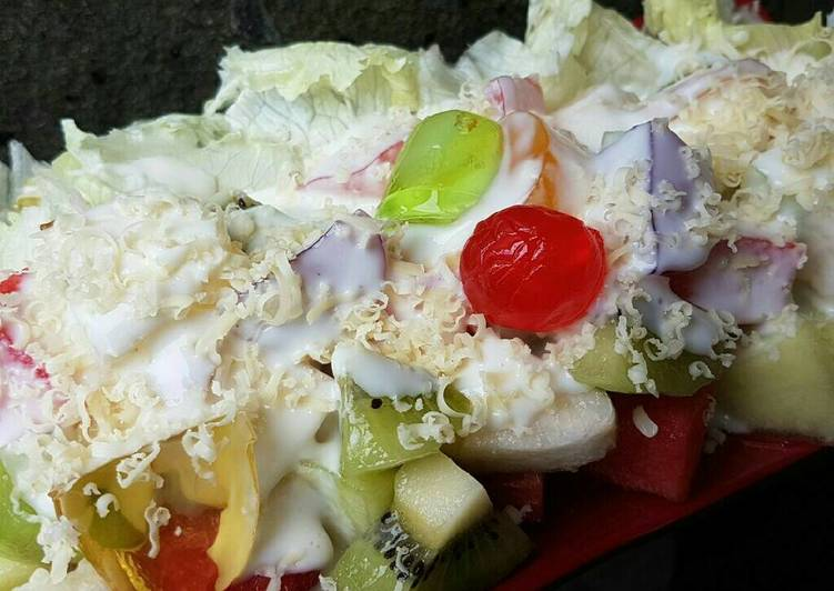 Salad Buah Yogurt