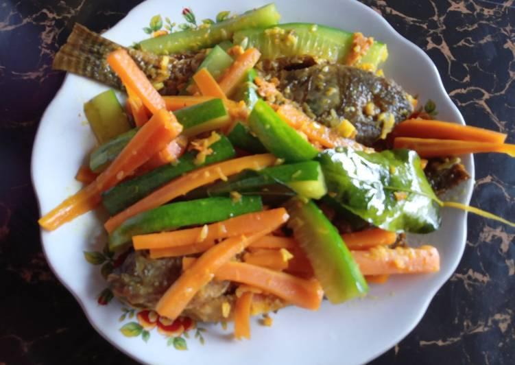 Ikan nila acar bumbu kuning - cookandrecipe.com
