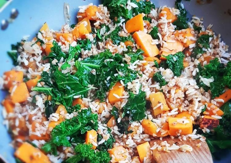 Ryż z dynią i jarmużem