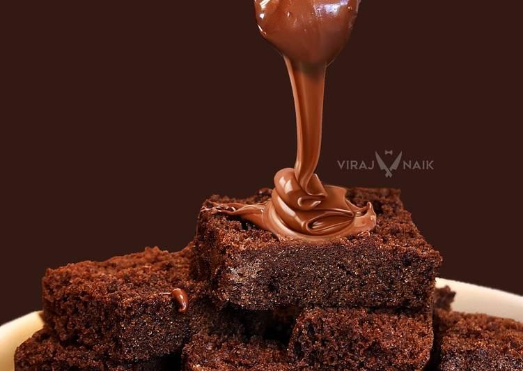 Slice Cake with Nutella