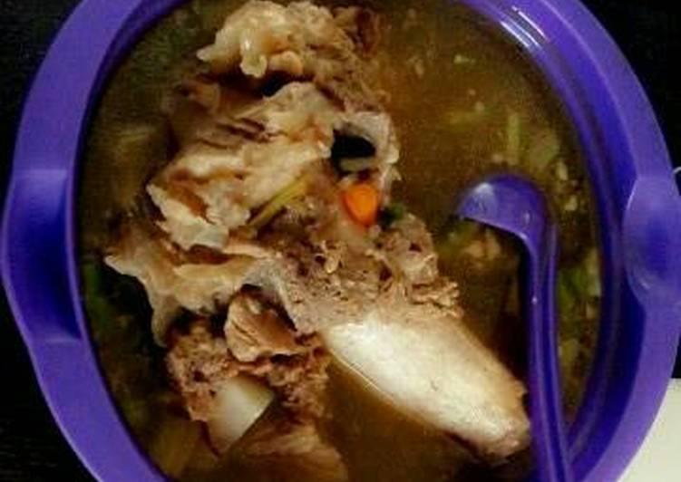 Resep Sop Sumsum Kaki Sapi oleh Dapur Mommy Yuni - Cookpad
