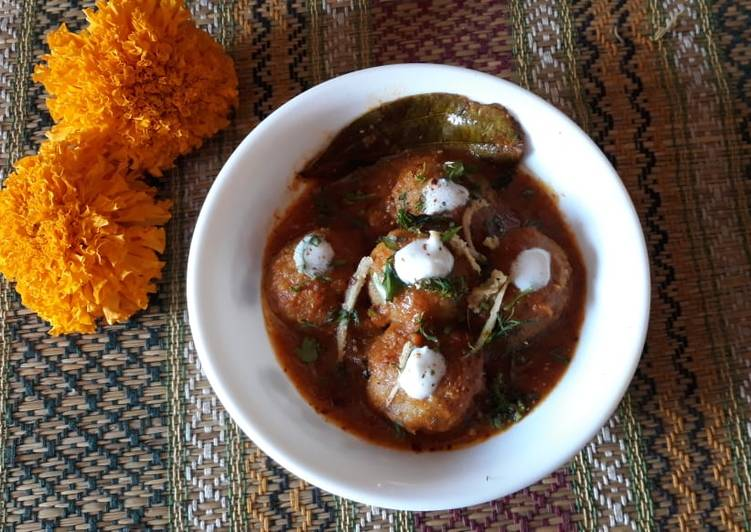 Kanchkolar Kofta Curry