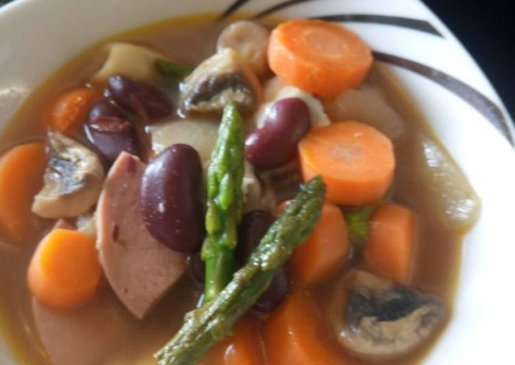 Sup sayuran panggang kacang merah