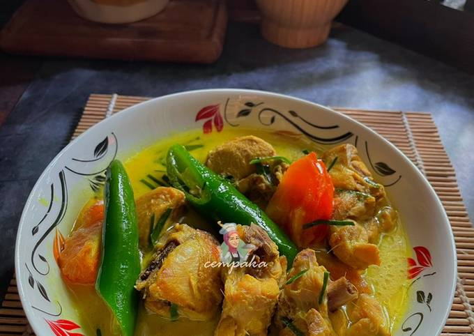 Ayam Masak Kuning Siam