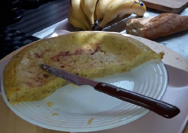 Tortilla de patata cocida cebolleta y ajitos
