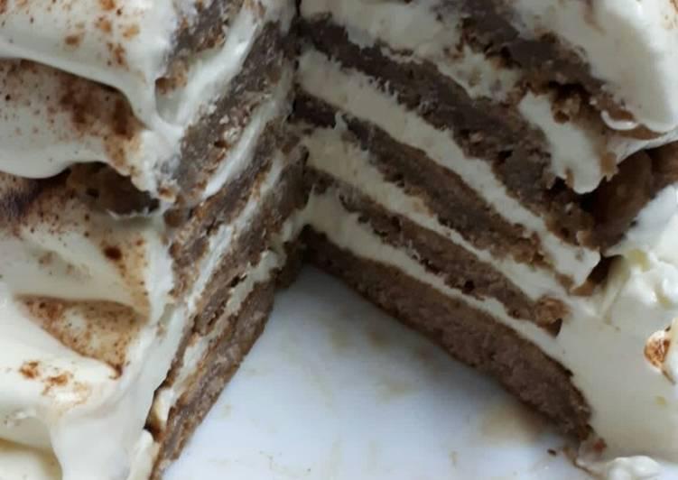 Torre tiramisú de pancakes de chocolate
