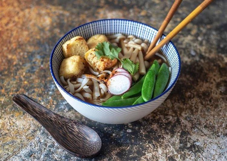 Try Using Food to Boost Your Mood Rice noodles with crispy tofu, Enoki mushroom vegetable broth