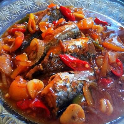 Resep Ikan Salem Masak Bumbu Sarden Pedas Oleh Viana Rheinata Cookpad