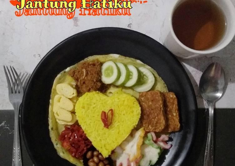 Bagaimana Menyiapkan #298. Nasi Kuning Jantung Hatiku, Enak Banget