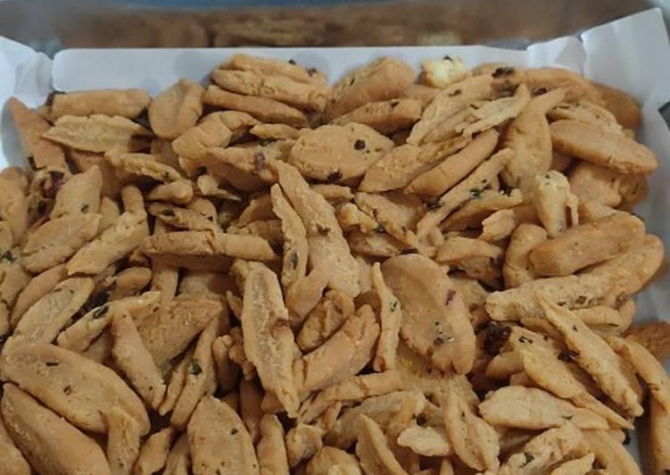 Kue bawang gunting (super harum bawang banget)