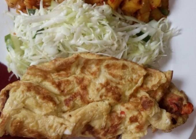 Peppered potatoes,salad n fried egg