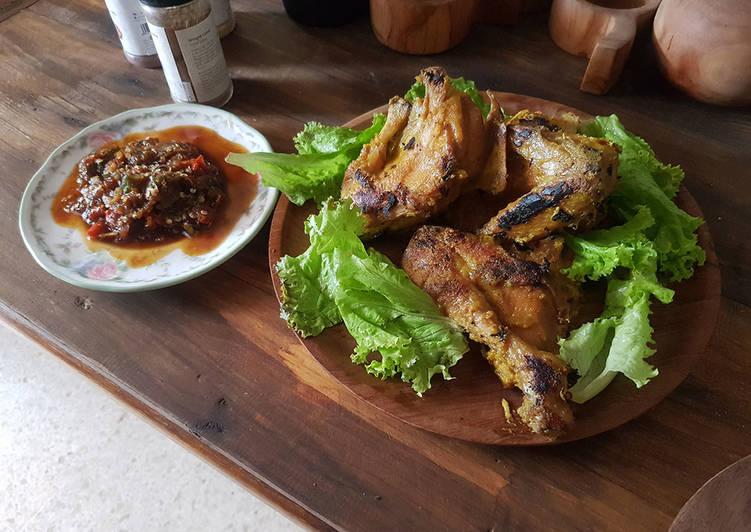 Ayam Pecal & Sambal Pedas Gula Jawa