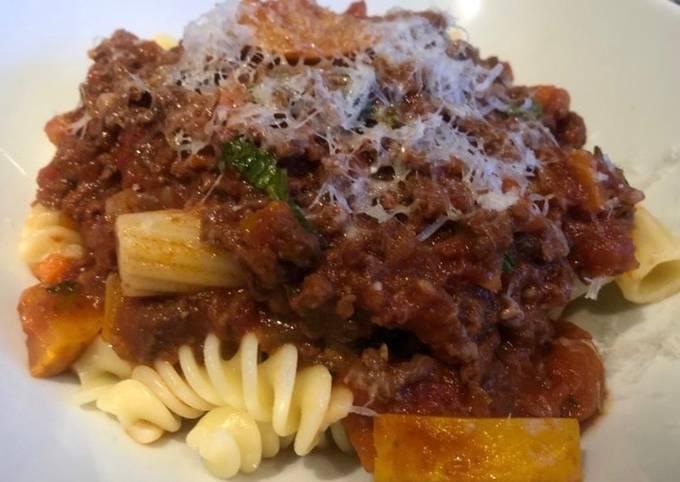 Crowd pleasing spaghetti bolognese