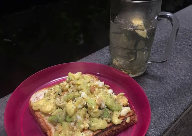 Resep Egg Avocado toast + Lemon honey chia hot water (healthy breakfast) Paling Joss