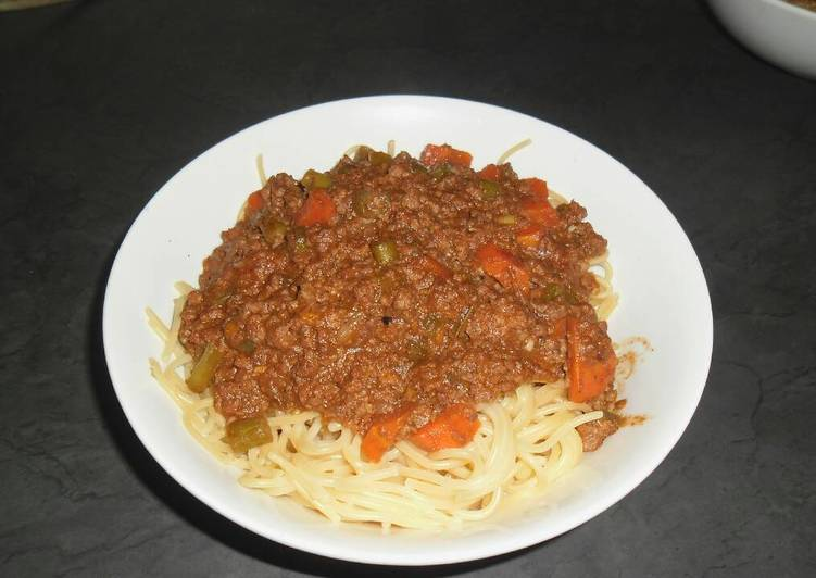 Simple Way to Prepare Homemade Spaghetti and Mince