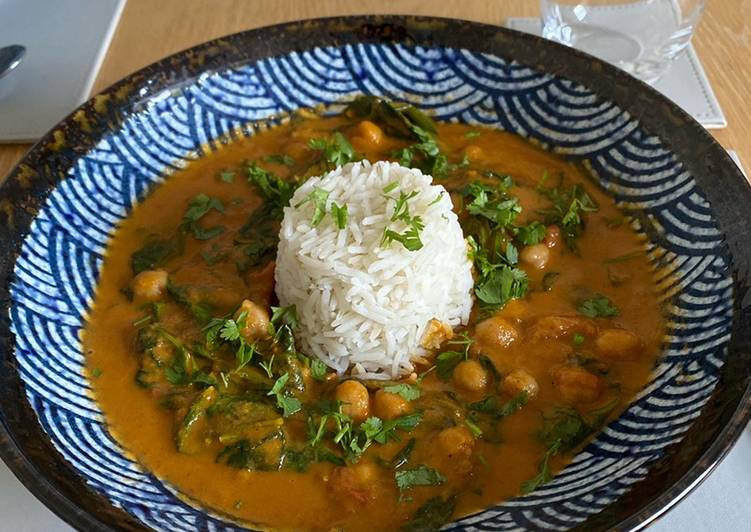 Chickpea, Spinach, Coconut and Coriander Curry