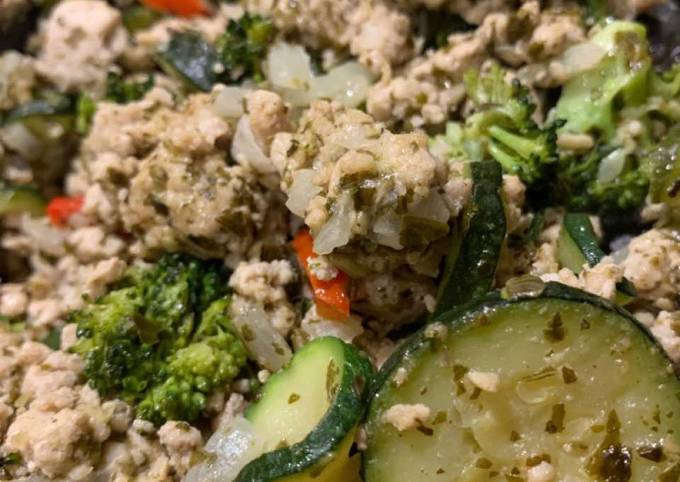 Turkey Pesto Veggie Stir Fry