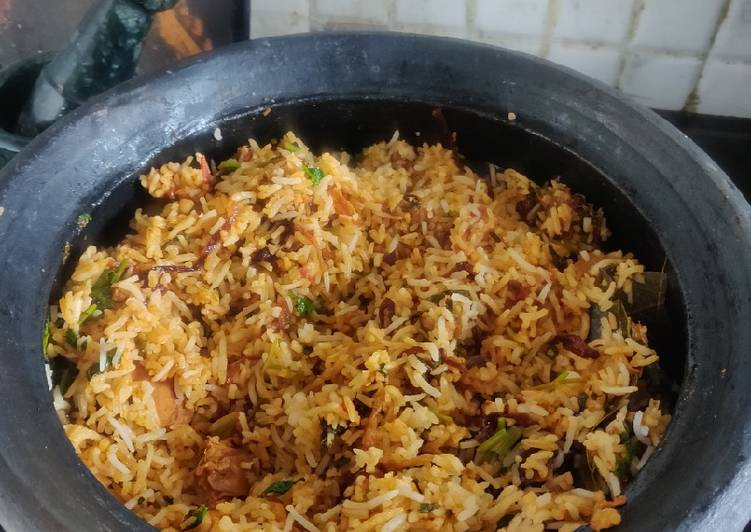 Hearty Comfort Dinner Ideas Blends Chicken Dum Biriyani