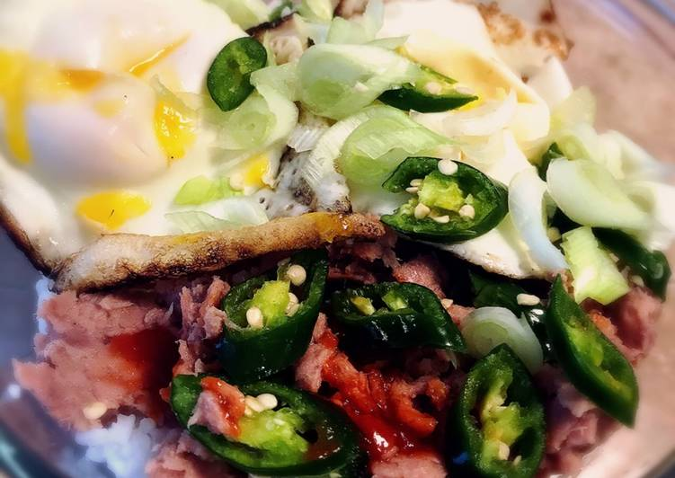 5 Minute Easiest Way to Prepare Special Slight Spice Egg and Tuna Rice Bowl