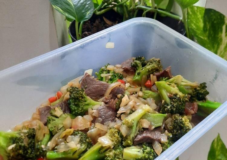 Tumis Brokoli dan Daging Sapi