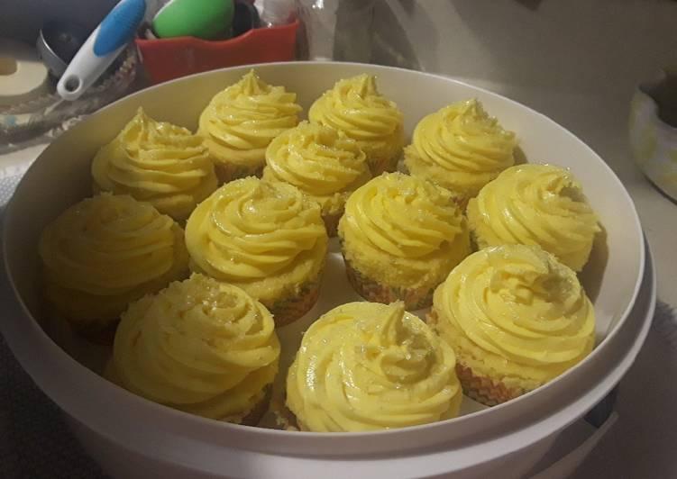 Steps to Prepare Favorite 🍋🍋💛Lemon Cream Cheese Buttercream Frosting💛🍋🍋
