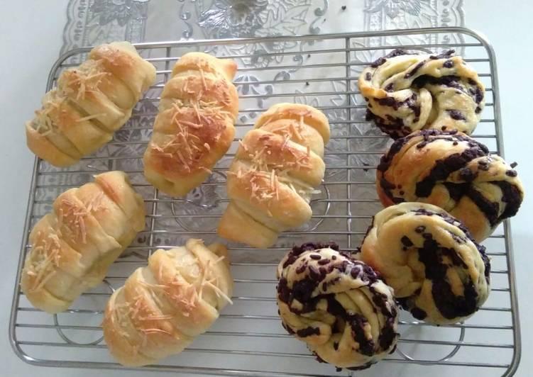 Roti Isi Pisang Keju & Meises Coklat