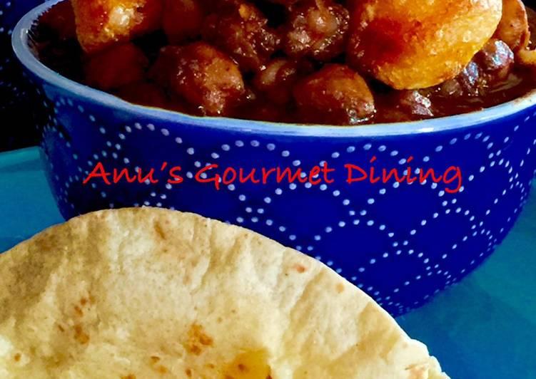 Simple Way to Prepare Award-winning Chole-Aaloo/Chickpeas & Mini Potatoes With Roti