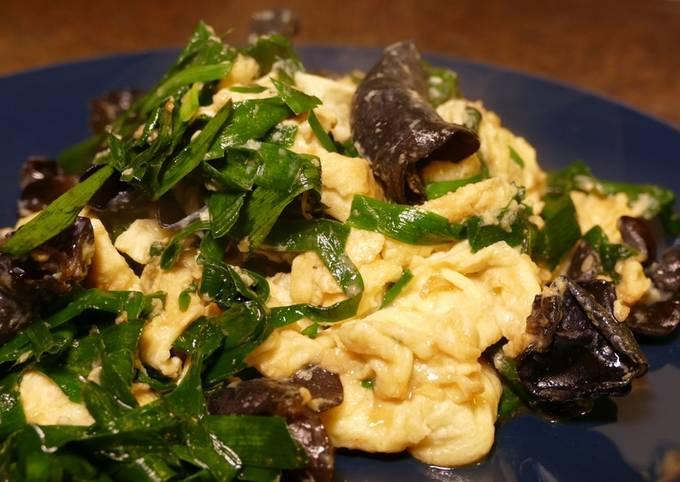 【Fluffy Scrambled Eggs】with Garlic Chive & Mushroom