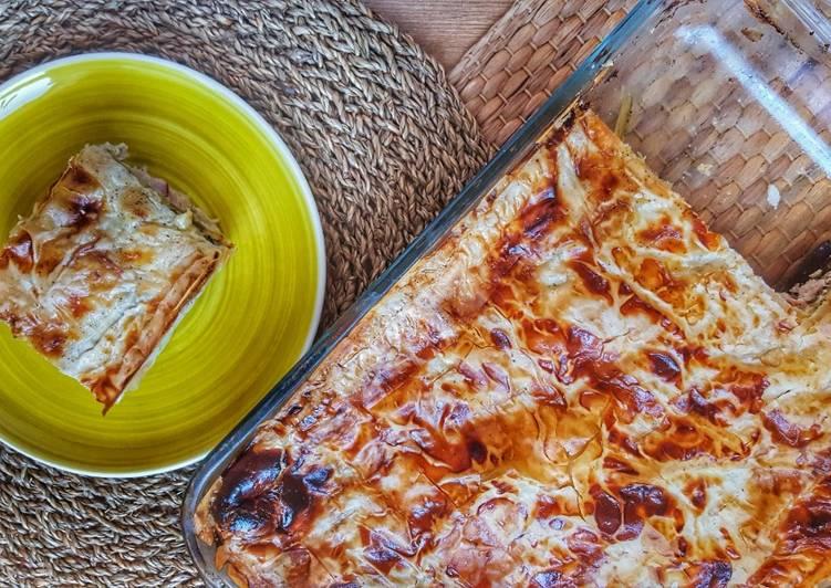 Amazing aubergine and halloumi pie