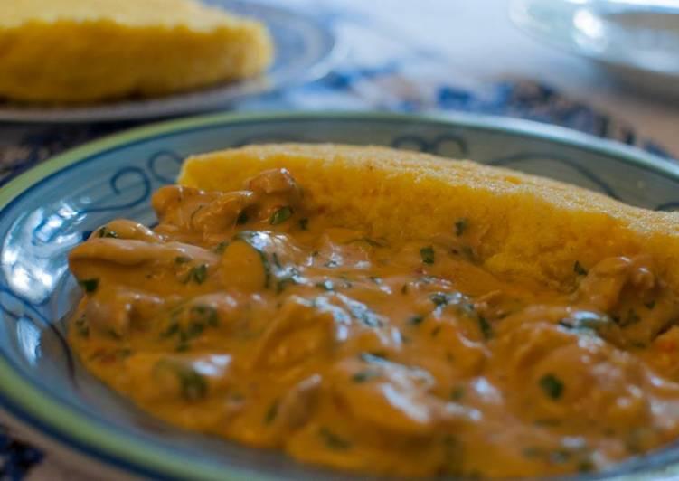 Recipe: Delicious Tocăniţa de pui cu mămăligă –Spezzatino di pollo con polenta