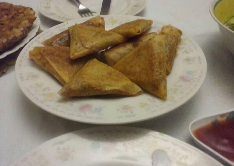 Triangle au saumon fumé et vermicelles de riz