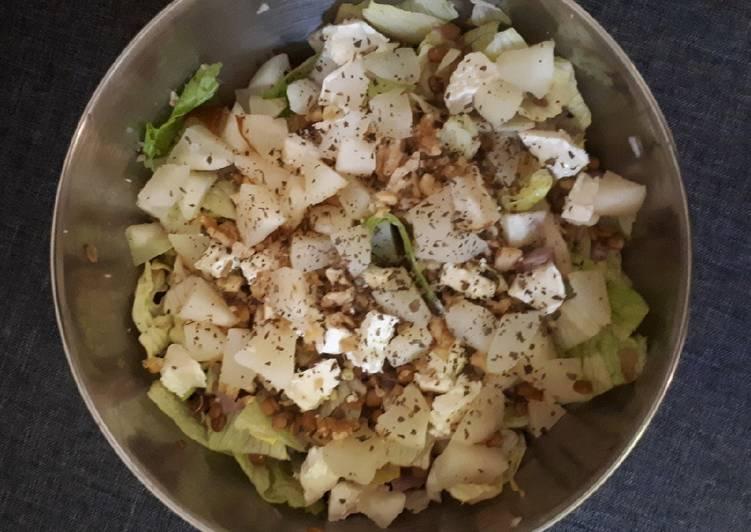 Salade de lentilles, chèvre, poire et noix