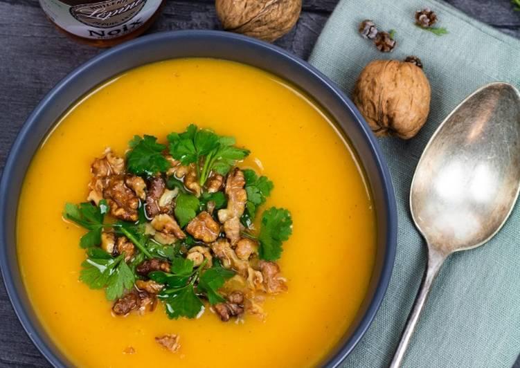 Recette Délicieux Soupe de butternut aux noix