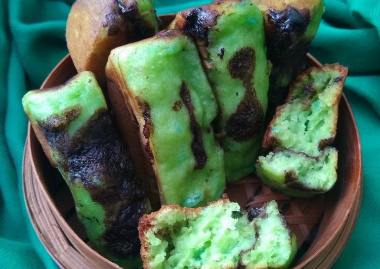 Pukis Tape Pandan Coklat - cookandrecipe.com