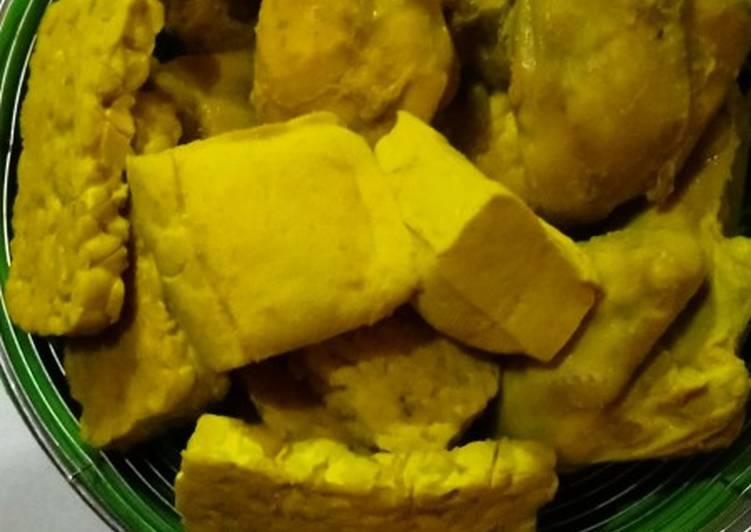 Ungkep Bumbu Kuning Ayam Tempe &Tahu by Zahara