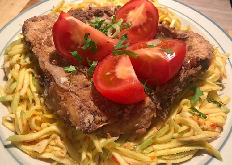 Gluten free Deep Fried Snapper with Green Mango Salad